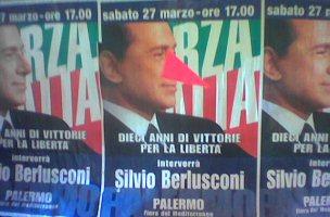 Il manifesto ritoccato di Berlusconi a Palermo