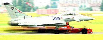 Ferrari F2003-GA contro Eurofighter Typhoon