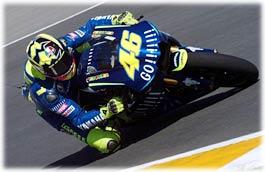 Valentino Rossi vince in Sudafrica il suo primo gran premio con la Yamaha