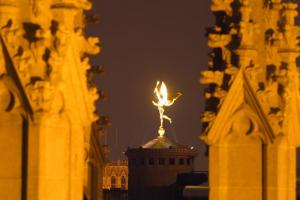 Foto della statua di San Michele a Bruxelles